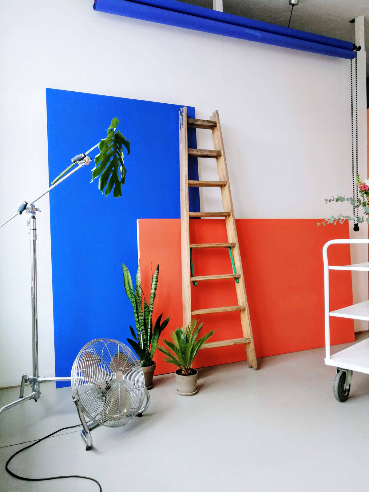 Ikonic photostudio rental and eventlocation in berlin with many props